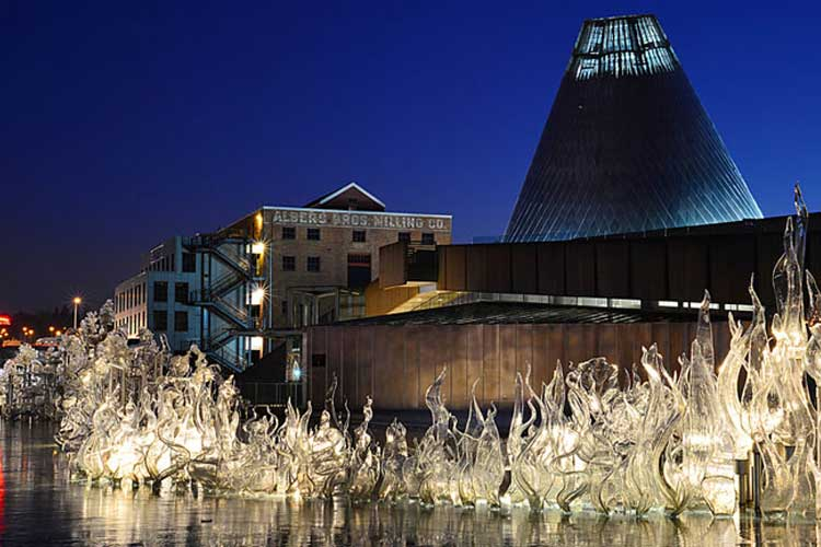 Tacoma Museum Of Glass
